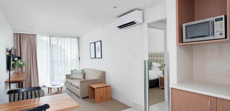 hotel-nelson-nelson-bay-hotel-accommodation-1-bedroom-king-apartment-1 | Hotel Nelson